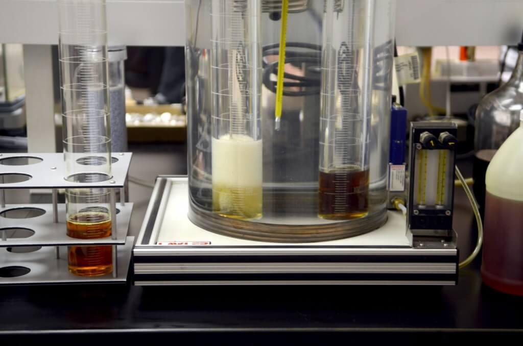 Foam layer in oil